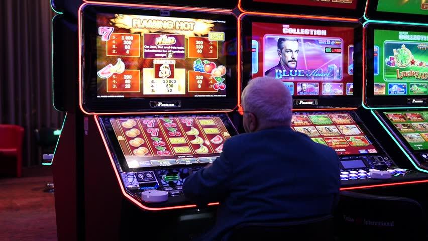 Slot ฟรีเครดิต คืออะไร ดีไหม น่าเล่นหรือเปล่า